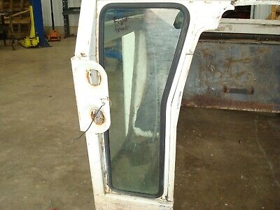 1974 Case 1370 Tractor Cab Right Front Window Glass