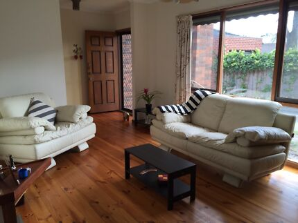 Comfortable room close to Hughesdale Murrumbeena Glen Eira Area Preview