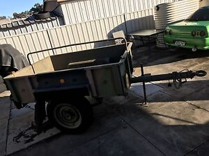 Army box trailer no.5 Killarney Vale Wyong Area Preview
