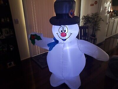 Gemmy Frosty The Snowman 5 Feet Tall Airblown Inflatable