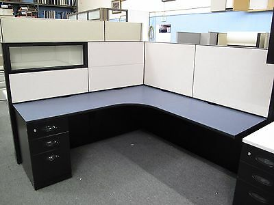 Steelcase Answer Cubicle With Glass