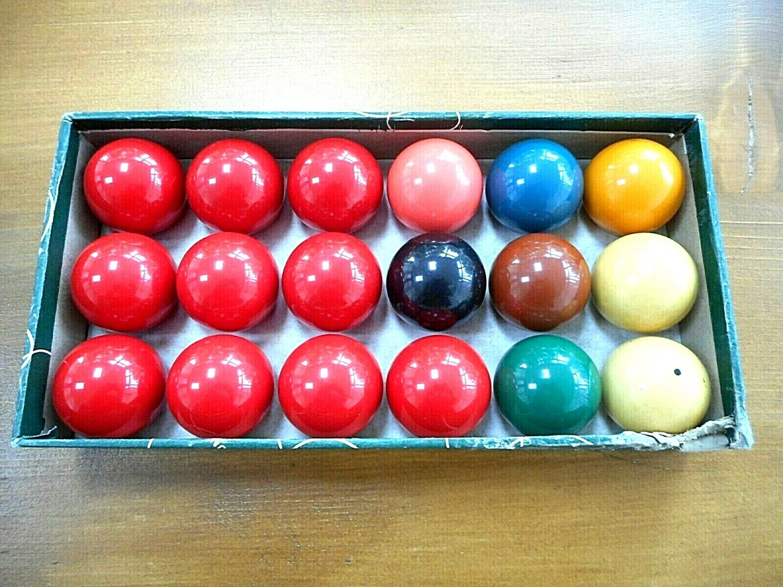 ARAMITH 1 INCH SMALL TABLE SNOOKER BALLS SET 10 REDS, 2 WHITES and COLOURS BOXED