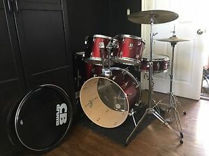 CB Drums (w/ sticks, tuning key and fresh tension rods)