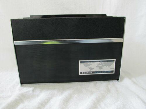 Zenith Trans Oceanic D7000Y Vintage Receiver Radio Cosmetically Nice! 7000
