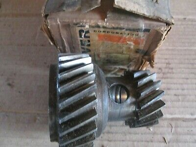 Oliver Tractor 550 Brand New Transmission Input Double Gear Nos