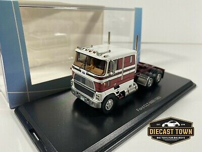 1/64 NEO Scale Models 1983 Ford CLT-9000 Truck White Red NEO64022