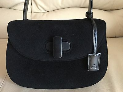 Pre-Owned 100% Aut Gucci Black Suede/Leather Hand Bag