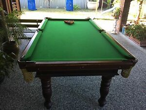 Pool table and cube holder Eden Hill Bassendean Area Preview