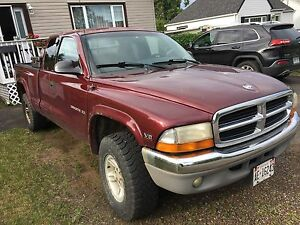 2000 Dodge Dakota SLT Truck.