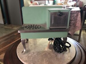1930s Metalware Toy Oven