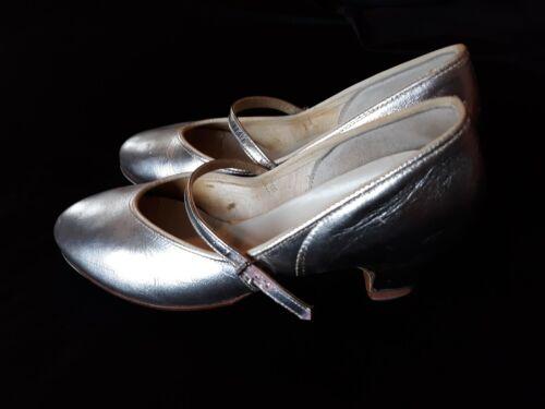 Vintage Ladies Tap Dance Shoes  Size 6