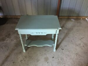 Vintage Occasional Table Moss Vale Bowral Area Preview