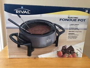 Rival Electric Fondue Pot with forks