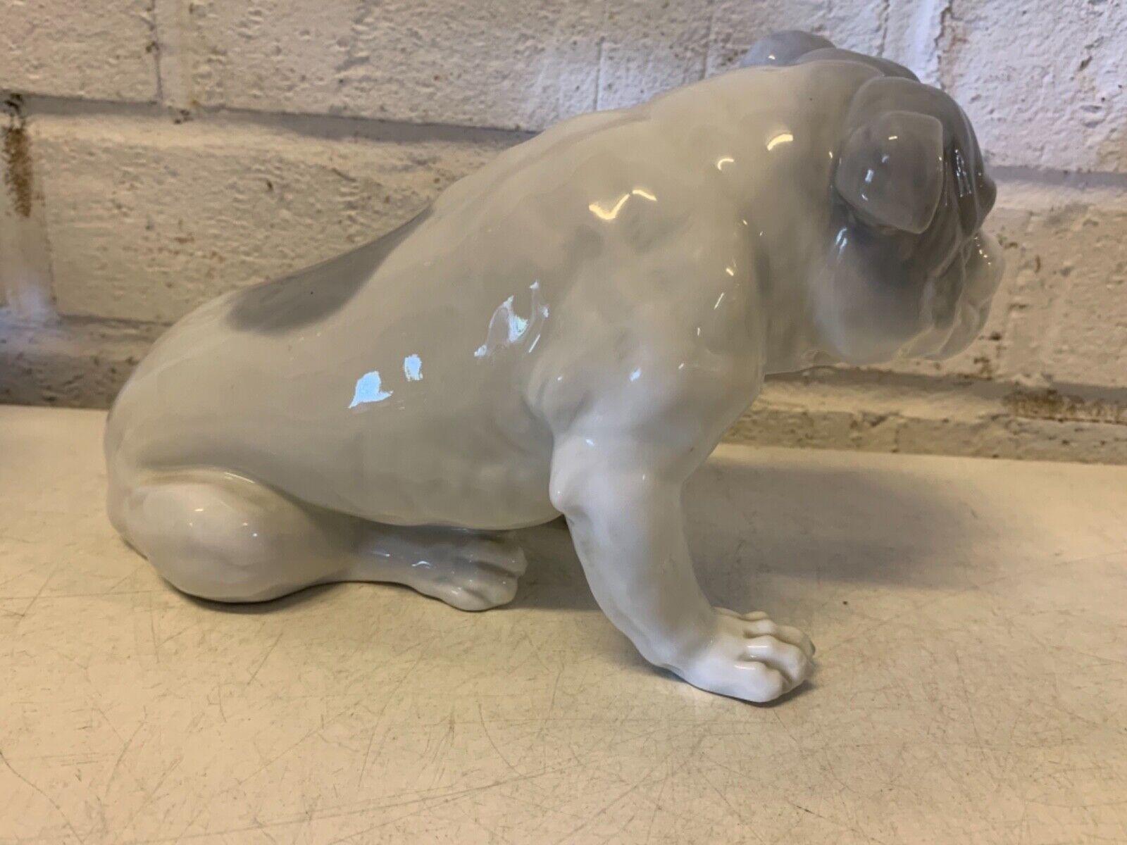 Antique porcelaine bulldog anglais figurine par gebruder heubach