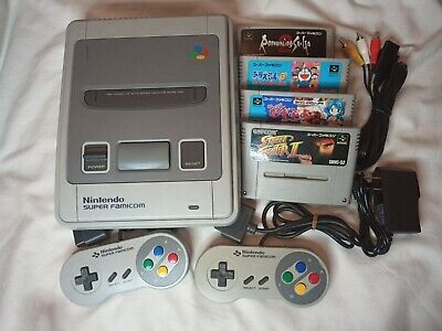 Nintendo Super Famicom Console w/ 2 Controllers & 4 Games Japan Import US Seller