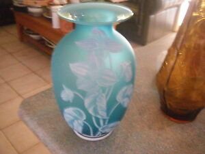 FENTON STUDIO AQUA GLASS VASE LIKE WEBB CAMEO GLASS PERFECT