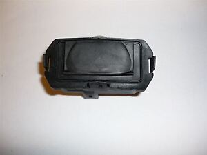 Renault Megane Scenic MK2 tailgate boot rear luggage lock button switch latch