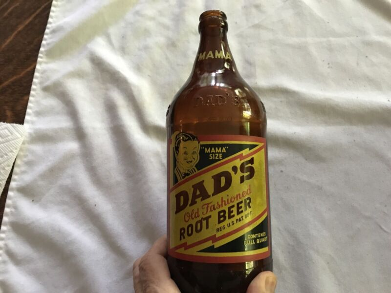 """1948 Dad's Root Beer """"Mama Size"""" Quart Bottle, Buffalo, New York"""