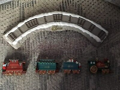 Hallmark - 1991 - Train Tresle Set with Display Stand - In Box