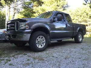 2006 Ford F-250 Super-duty 4x4 with plow 107,000km