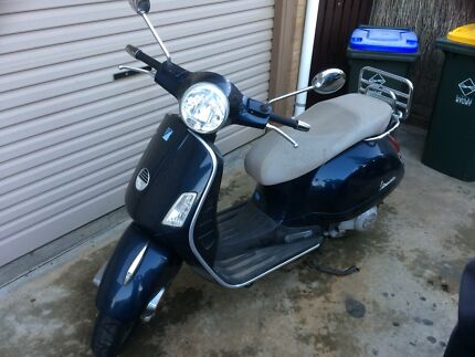 Vespa Gts 250ie 2002 West Lakes Shore Charles Sturt Area Preview