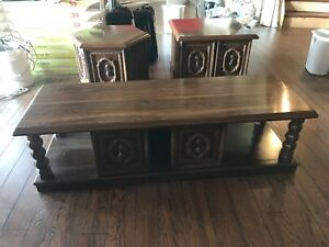 Coffee with two end tables