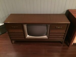 Tv/Radio/Record player