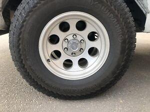 4 pneus hiver et mags Kumho 315-70-17