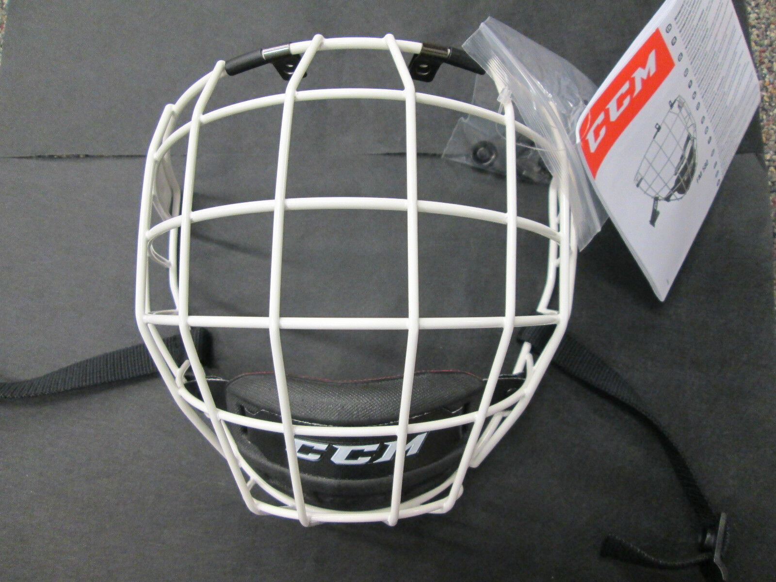 Hockey helmet with cage