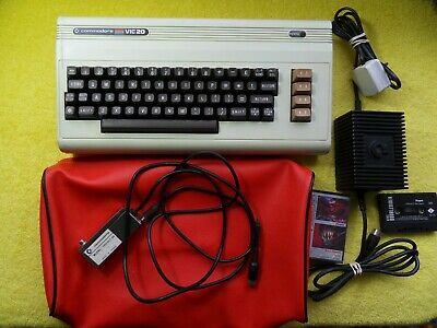 fully working - COMMODORE VIC-20 CONSOLE / COMPUTER
