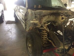 2001 dodge 2500 frame and axles and hood