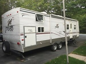 30ft Family Camper 30DBSS Bunk Room and Super Slide