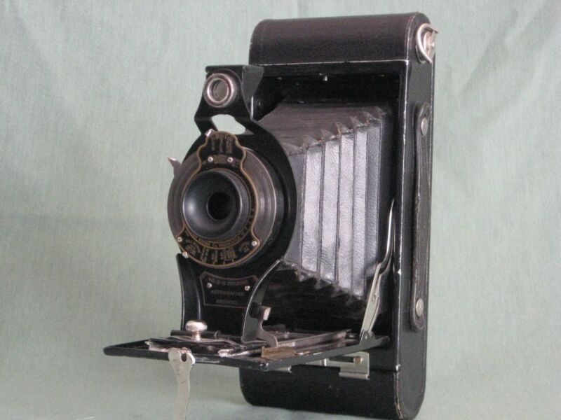 Vintage Kodak No.2C Folding Autographic Brownie Camera