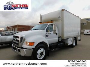 2005 Ford Super Duty F-750 XLT   FUEL & LUBE SERVICE TRUCK