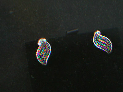 AN UNUSUAL PAIR OF VINTAGE BLACK DIAMOND SOLID SILVER EARINGS  FOR PIERCED EARS