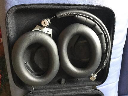 Sennheiser Noise Cancelling Headphones PXC 450