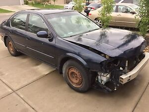 2001 Nissan Maxima FOR PARTS