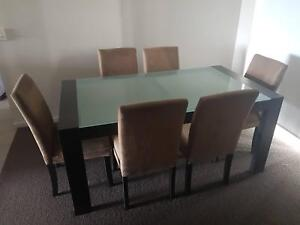 7 Piece Dining Setting in good condition
