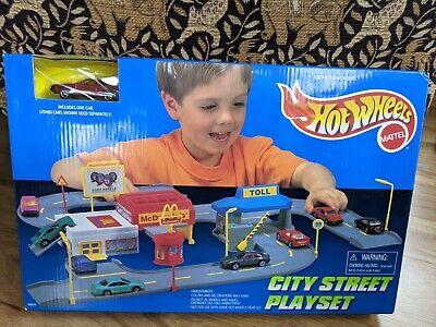 1996 Mattel Hot Wheels City Street Playset