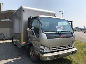 GMC 2005 cube van. Isuzu diesel. Very well maintained