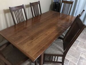 6 person table and chairs
