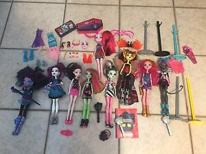 Monster high dolls and accessories Berkeley Vale Wyong Area Preview