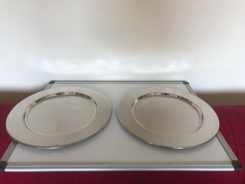 """BEAUTIFUL PAIR OF BOXED SILVER PLATED CHARGERS 13"""" IN DIAMETER  (NR 3)"""