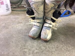 Size 7 dirtbike boots