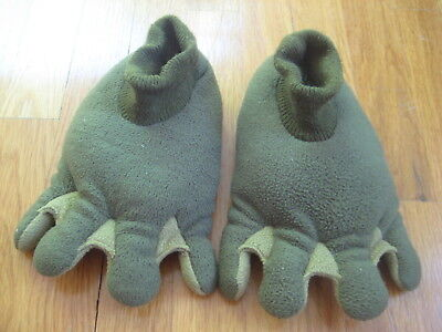 Frog Feet Costume (Old Navy plush green MONSTER SLIPPERS boy kid Halloween costume frog feet 3T)