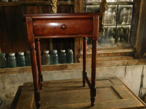 EARLY COUNTRY 1 DRAWER STAND ANTIQUE 1800