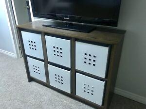 Wooden 6cube storage shelf