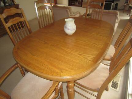 Dining Table American Oak and 6 chairs