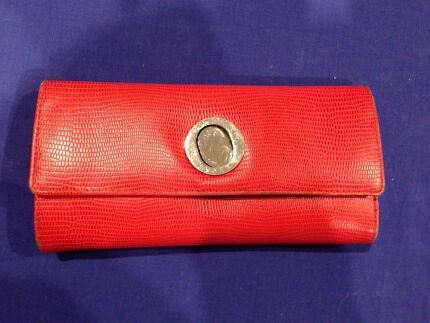 Oroton ladies purse - red. Genuine Wattle Grove Kalamunda Area Preview