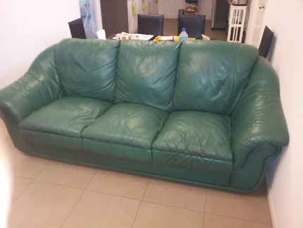 Leather sofa 3 x 1 and 1 x 1